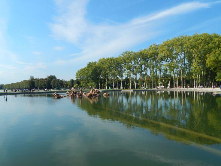 #ChateaudeVersailles #LesJardinsdeVersailles #Gardens #BeautifulLake #Paris