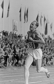 Emil Zatopek Jeux Olympiques - 2ème  1948 Londres 5000 m – 1ère 1948 Londres 10 000 m / 1ère  1952 Helsinki 5000 m - 1ère 1952 Helsinki 10 000 m - 1ère  1952 Helsinki Marathon