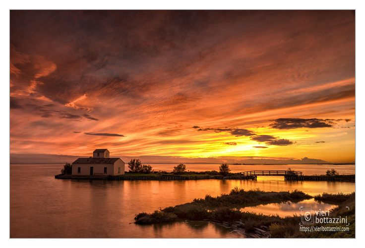 A gallery featuring the dramatic landscapes of the Valli di Comacchio & Delta del Po. An ongoing project, please come back for new images! via @vieribottazzini