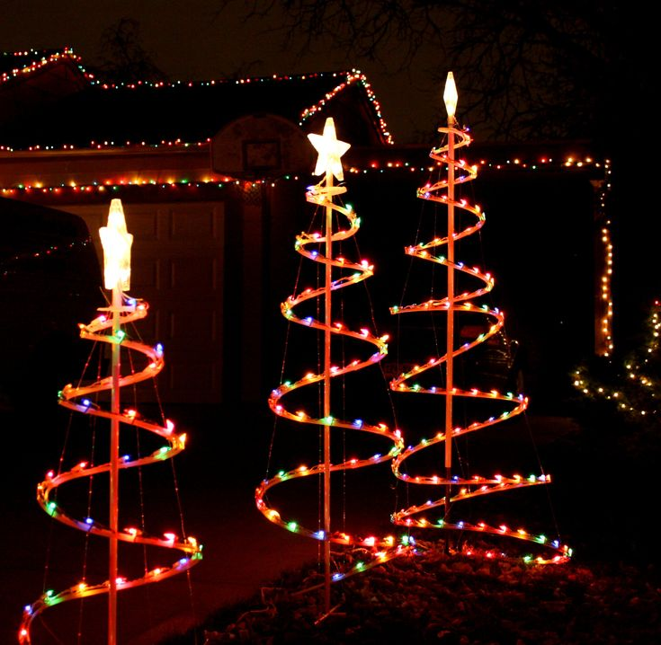 Simple Christmas Decorations For Outside   Outdoor Spiral Christmas Tree  Decoration