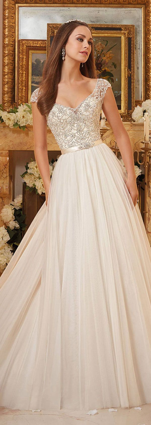 Wonderful Tulle V-neck Neckline A-line Wedding Dresses With Beaded Embroidery