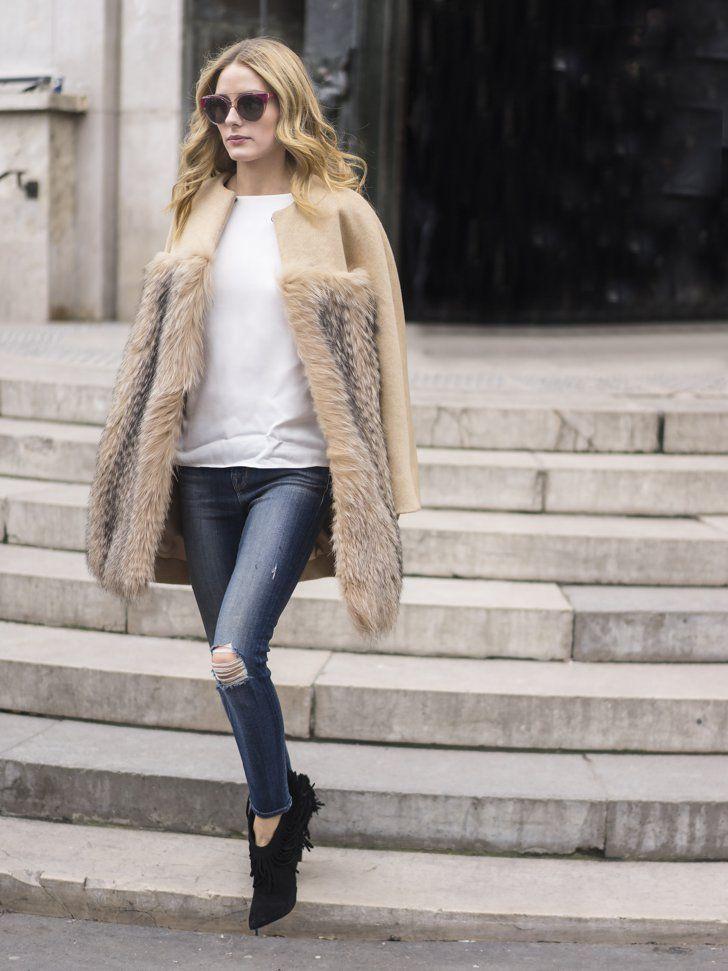 Pin for Later: 50 Lessons de Mode Que L'on a Appris Pendant la Fashion Week Donnez un côté plus raffiné à votre jean avec une veste en fourrure.
