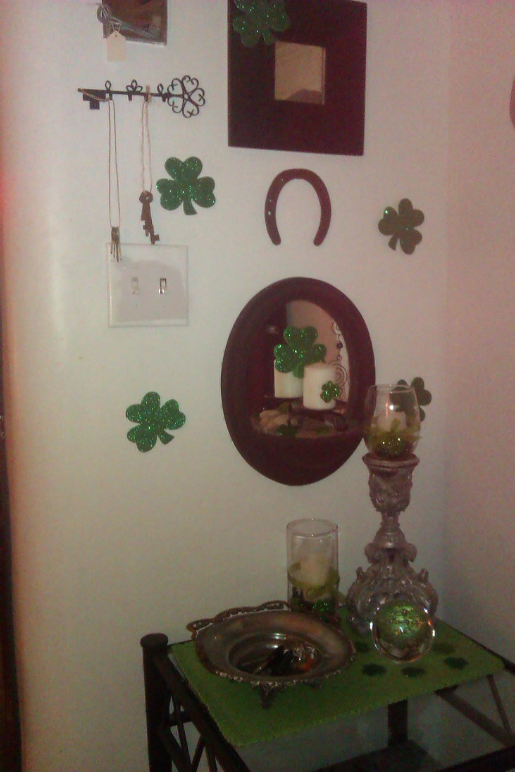 1000 images about st patrick 39 s day decorations on pinterest st patrick 39 s day st patrick. Black Bedroom Furniture Sets. Home Design Ideas