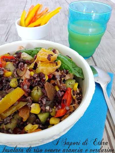 Insalata di riso venere arancia e verdurine