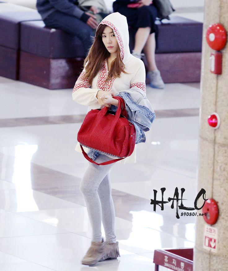 http://okpopgirls.rebzombie.com/wp-content/uploads/2012/10/SNSD-Tiffany-airport-fashion-oct-28-5.jpg