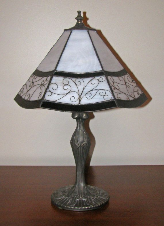 25+ best ideas about Stained Glass Lamp Shades on Pinterest Stained glass chandelier, Stained ...