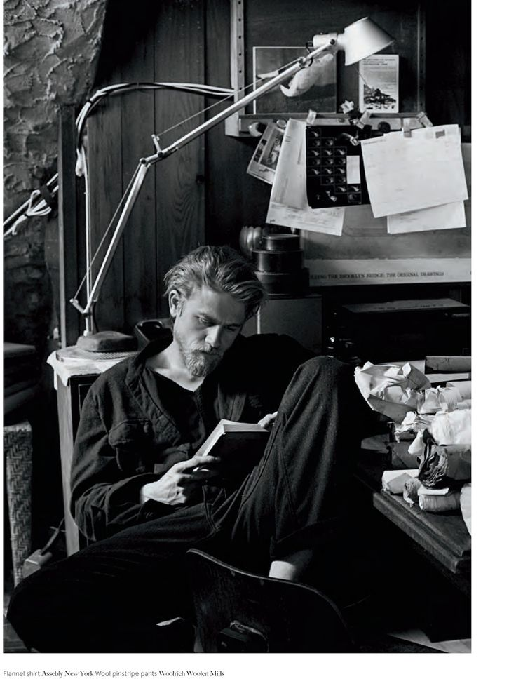 Charlie Hunnam reading proves just how sexy reading is.