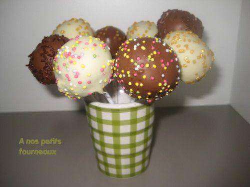 Comment allez-vous? Voilà plusieurs jours que je suis absente sur mon blog, faute de temps... Mais j'ai une nouvelle recette à vous proposer : des Pop-cakes , réalisés sans moule. Après en avoir vu un peu partout et les avoir bien admirés, je me suis...