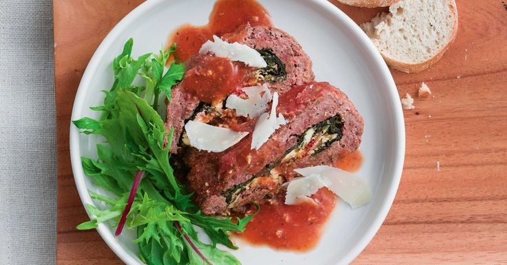A meatloaf made in the slow cooker. Genius!