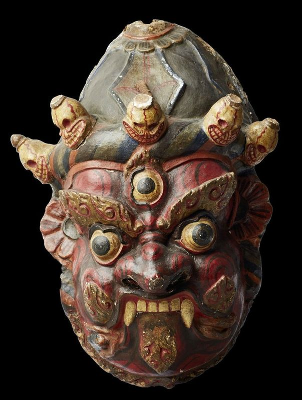 This Tibetan mask is formidable so it can serve its purpose of scaring evil spirits away. © Religionskundliche Sammlung der Universität Marburg, Germany
