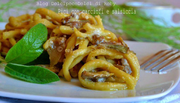 #Spaghetti in 5 minuti a base di acqua e farina..il tempo di cuocere il condimento bianco e sono pronti !! #Pici #PrimoPiatto #PastaFresca con #Carciofi e #Salsiccia cremosissimi..ottimi per un #Pranzo importante o pranzo della domenica. Ricetta da fare anche all'ultimo momento..da farci un figurone! La #Ricetta nel mio #BlogGZ #Dolcipocodolci http://blog.giallozafferano.it/dolcipocodolci/pici-con-carciofi-e-salsiccia/