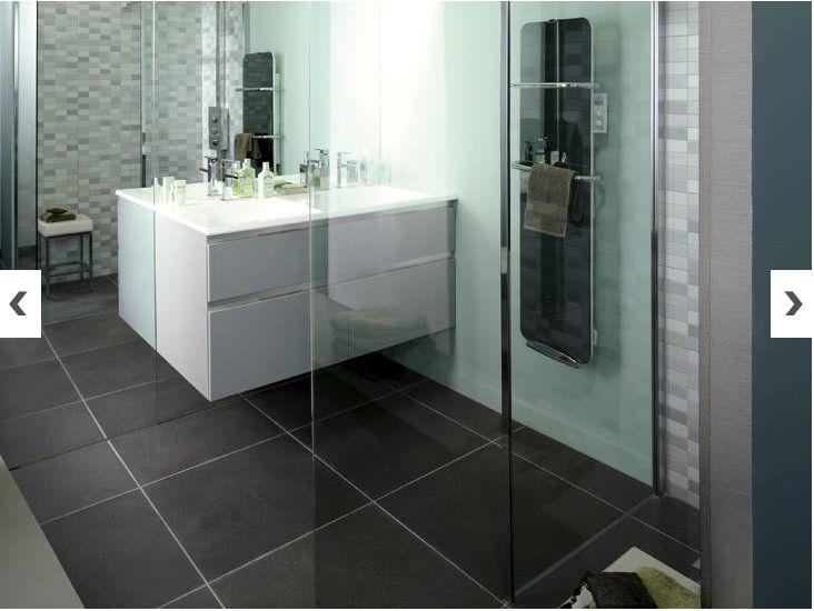 Les 25 meilleures id es concernant radiateur salle de bain for Grand carreaux salle de bain