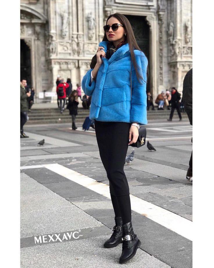 Шикарная модель! Готова носить и в пир и в мир.  Юбка/ джинсы.. что угодно.  Знаю, что многие, увидев ее на мне, хотели себе такую. Дак вот, спешу обрадовать! По Вашим  многочисленным просьбам с сегодняшнего дня мы объявляем #СКИДКУ -30% на коллекцию #2017. Несколько таких, как на фото есть #вналичии в разных цветах)
