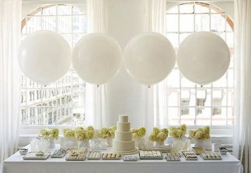 Large balloon centerpiecesDessert Tables, Ideas, White Wedding, Parties, Bridal Shower, Balloons, Cake Tables, Desserts Tables, Desserts Buffets