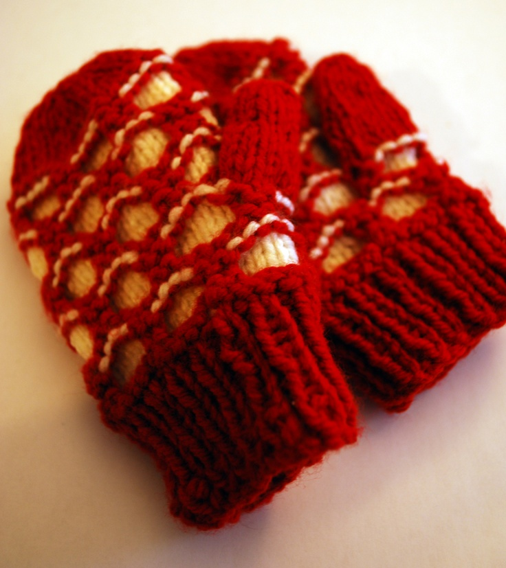 This is my toddler-sized version of the adult Newfie mitten pattern.