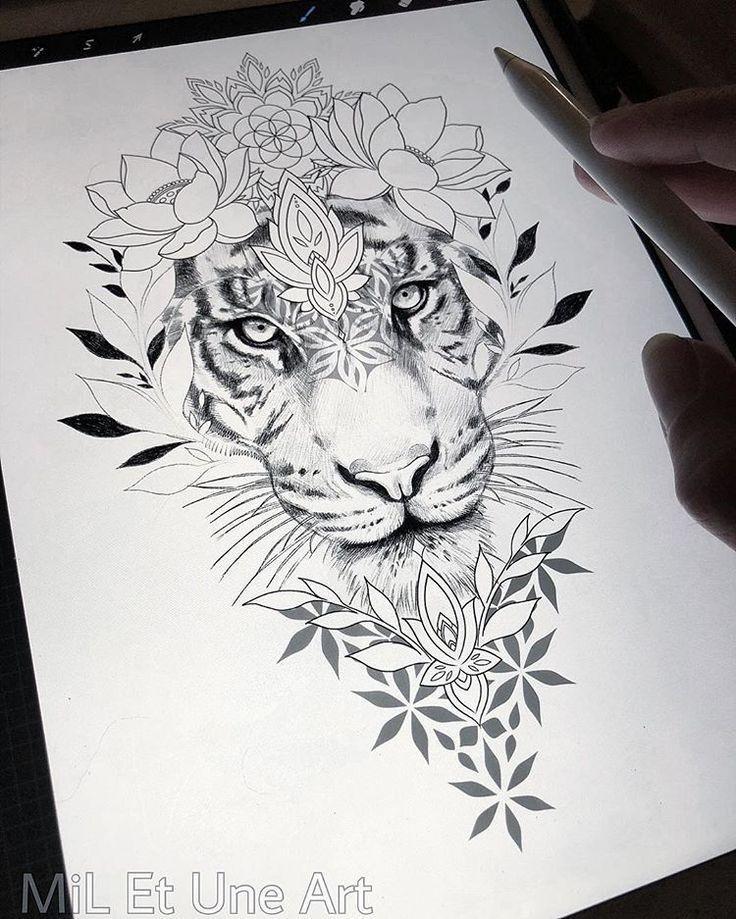 Loral Oberschenkel / Hüfte Design zum Greifen nah! Gerne tätowiere ich dies bei einem meiner kommenden … #tattoos