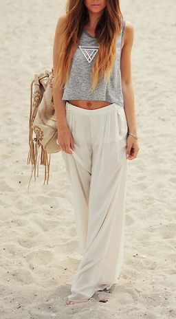 : Comfy Beaches, Casual Beaches, Crop Tops, Beaches Outfit, Beaches Attire, Beach Styles, Beaches Wear, Beaches Style, The Beaches