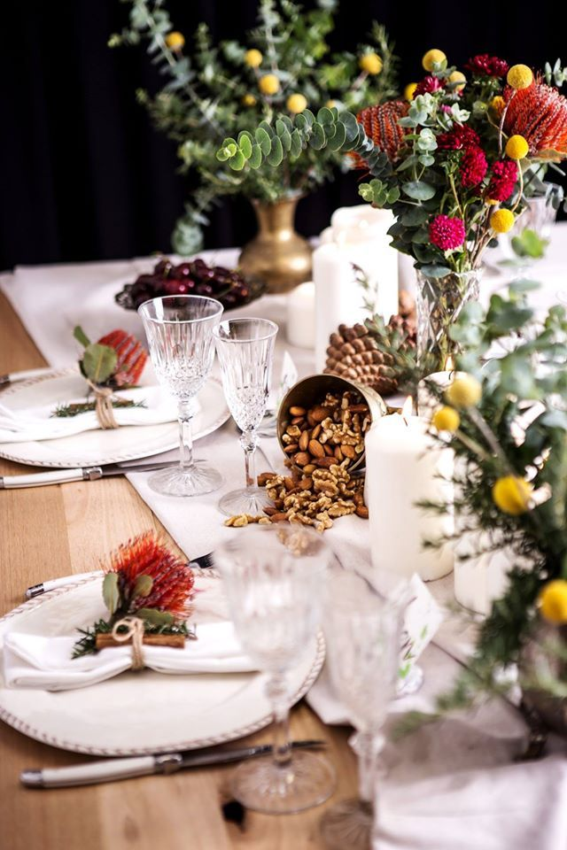 Party table styling. Centerpiece ideas.