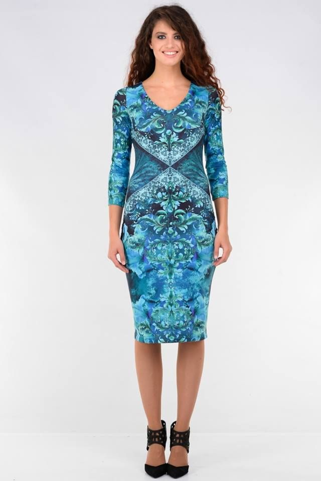 Classical dress with light blue ornament - 47,59€