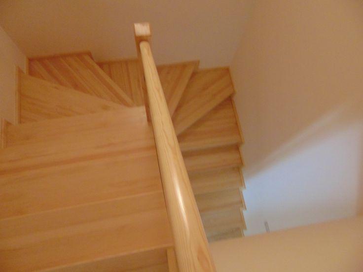 schody bukowe  www.stolarstwoszudera.pl