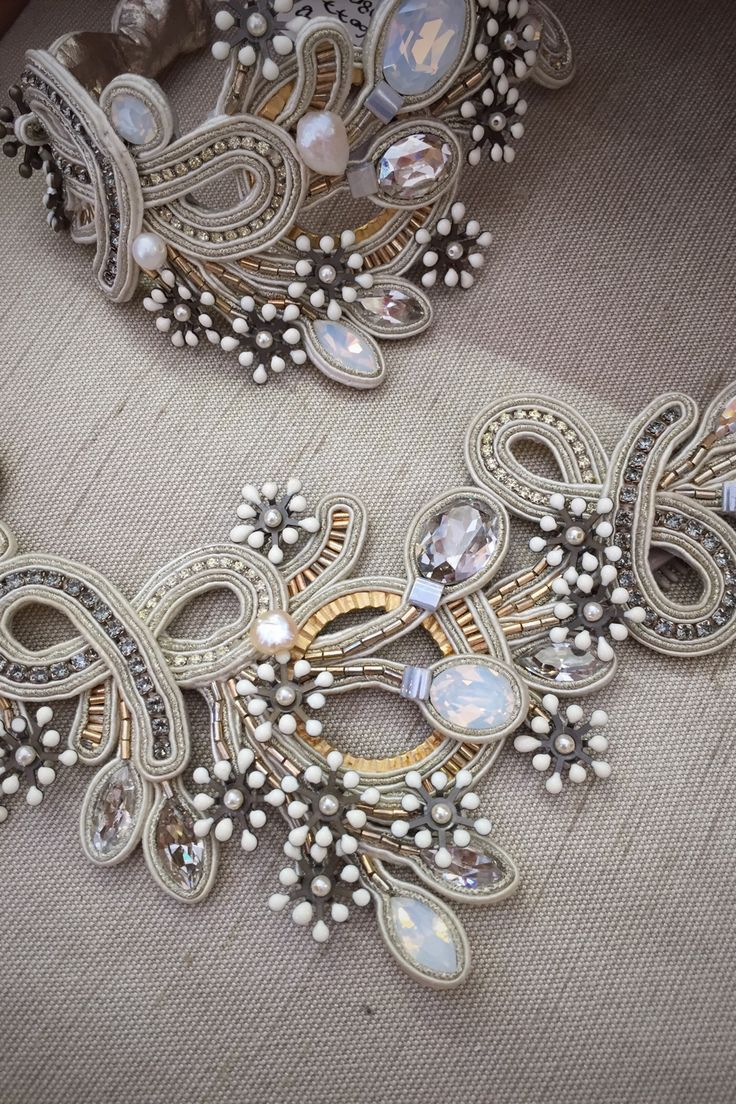 Gentle flowers and pearls - bridal collection #doricsengeri #bridal #wedding #pearly #whiteflowers