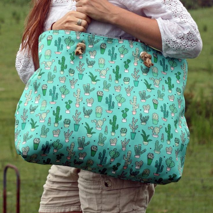 Sew this fun tote bag with rope handles! Made from Spoonflower eco canvas | Radiant Home Studio