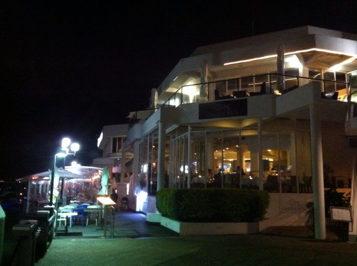 Famous restaurant in Marina.