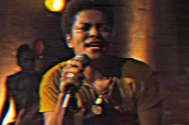 Bruno Mars- Locked Out of Heaven- Bruno Mars - Locked Out Of Heaven [OFFICIAL VIDEO]- Still absolutely love this song and music beat.