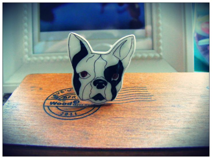 Hand illustrated french bulldog ring. Available at www.etsy.com/shop/netsymu and also www.facebook/netsymu