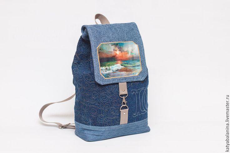 Купить или заказать Школьный рюкзак с монограммой Картина любимого художника в интернет-магазине на Ярмарке Мастеров. Рюкзак сшит на заказ для девушки-подростка. Она будет его использовать, как школьный т.к. он имеет оптимальную форму и в него пометися все то, что нужно школьнице или студентке. Он практичный, надежный, а еще романтичный, нежный, утонченный...Рюкзак идеален для девушки, которая носит джинсовую одежду, а ее носят все! Рюкзачок полностью простеган красивой строчкой с игривыми…