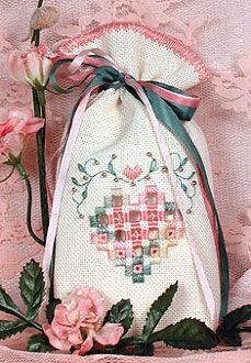 The Victoria Sampler - Heart Sweet Bag - freebie
