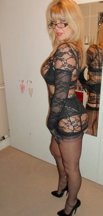 pin von darkangel auf thick and sexy matures pinterest lady h bsch und glas. Black Bedroom Furniture Sets. Home Design Ideas