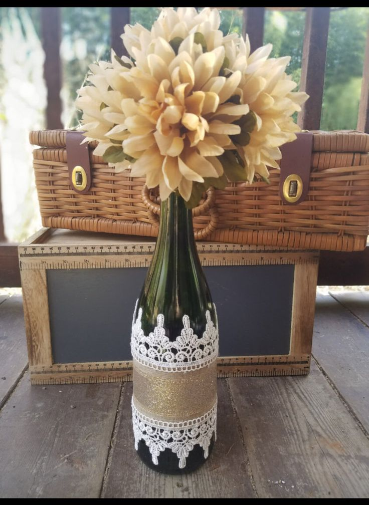 Wine Bottle Vase- add a key to my heart...Glitter & Lace by ShellsNBellesCrafts on Etsy https://www.etsy.com/listing/485265316/wine-bottle-vase-glitter-lace