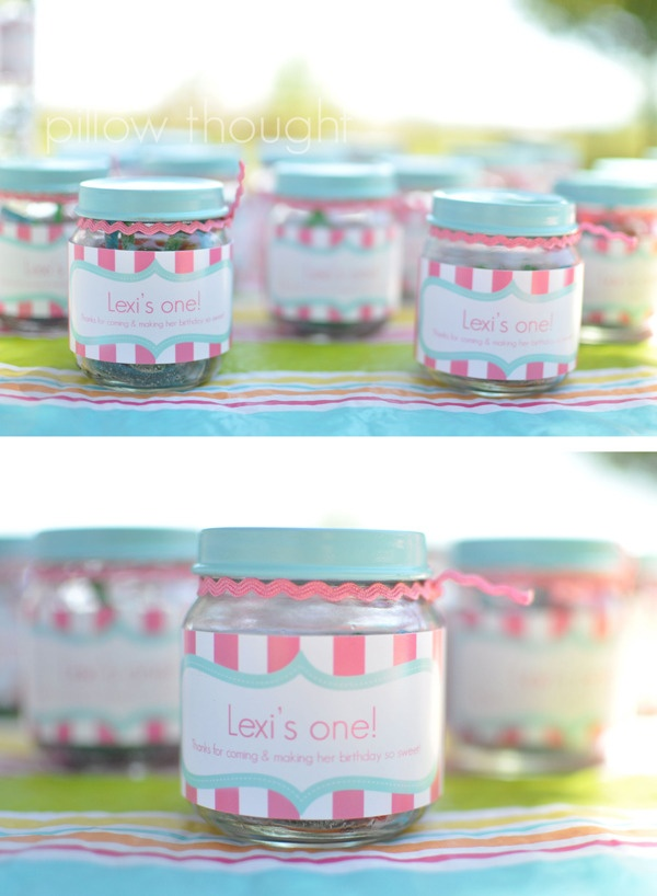 party favor using baby food jars.