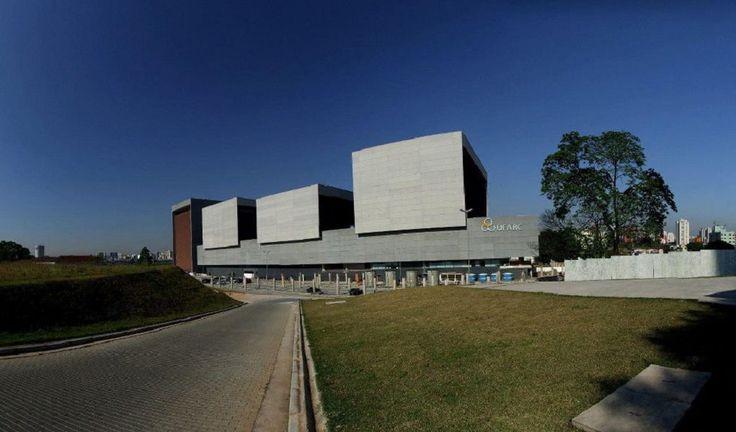"""A Escola Livre de Teatro (ELT) e a UFABC – Universidade Federal do ABC oferecem um curso gratuito de """"Teatro Comunitário"""" no campus desta instituição."""