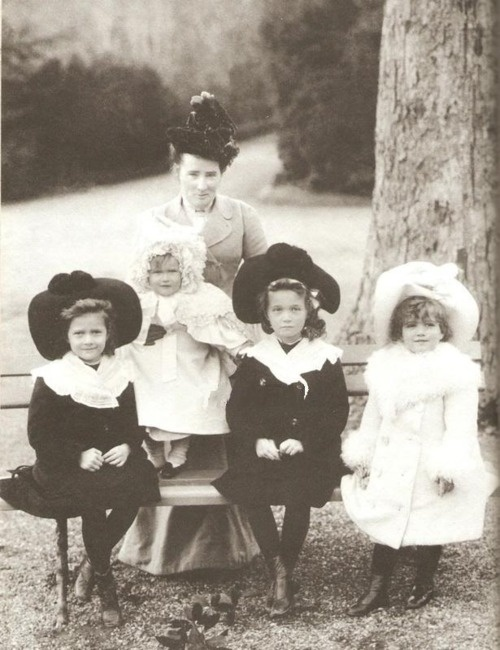 The Grand Duchesses (I didn't know there was a historical Pinterest section!!! Nerdy love)