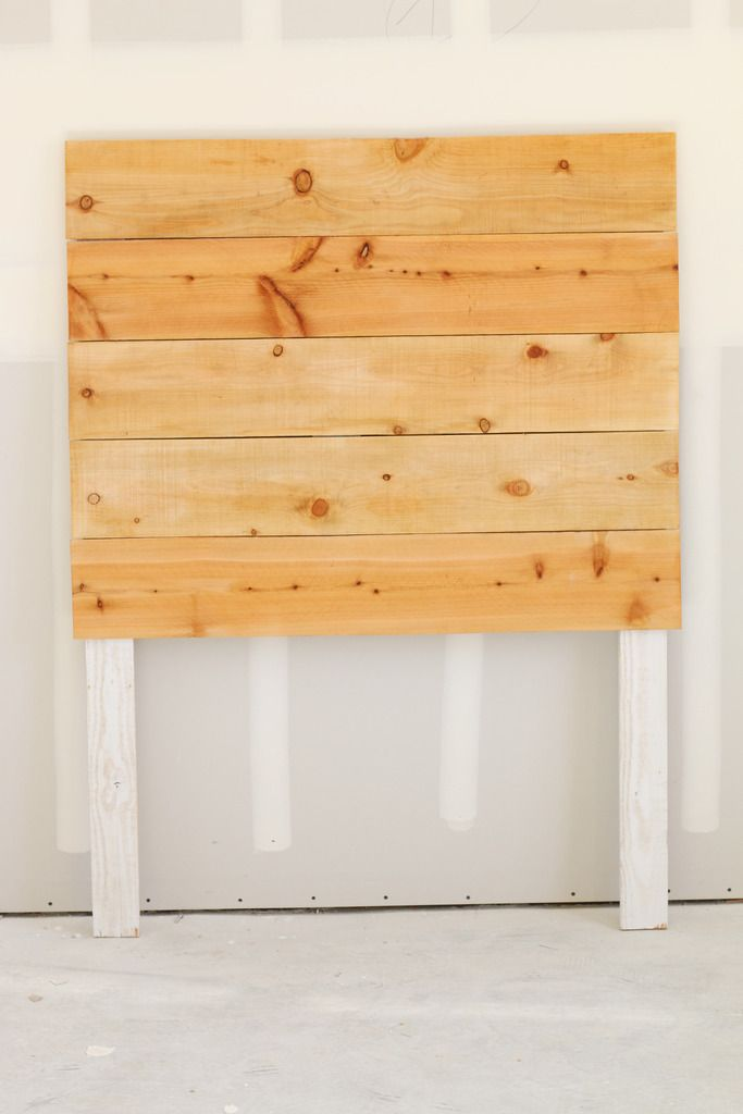 Easy diy wood headboard tutorial simple and modern for Simple house design made of wood