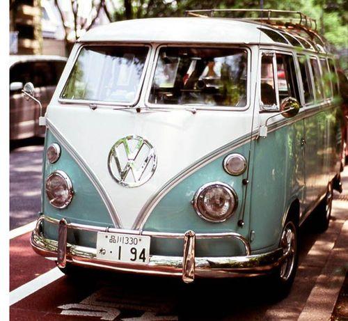 Volkswagen Kombi Before I die Me voy a comprar una de estas!!