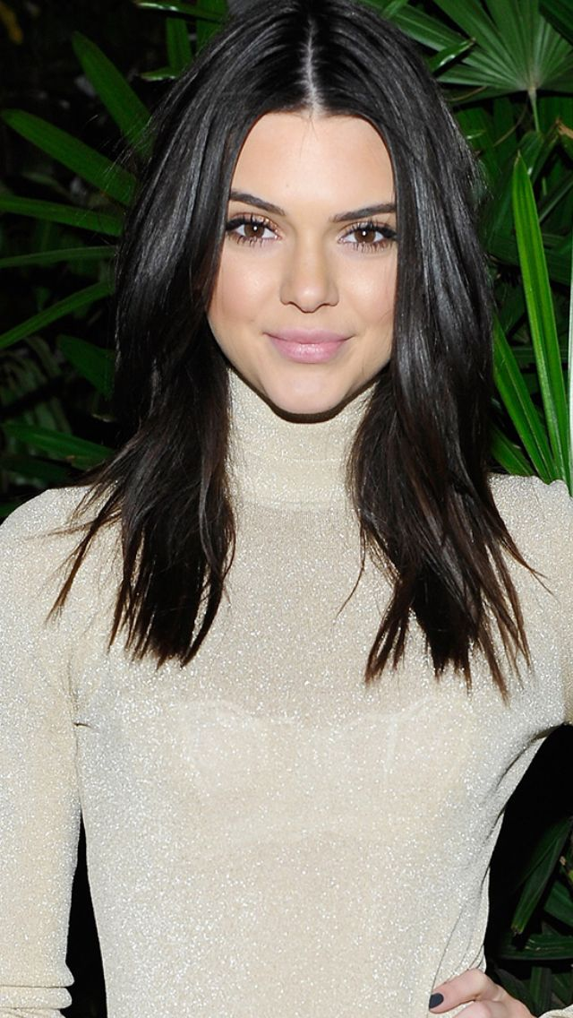 Kendall Jenner Coupe mi-long