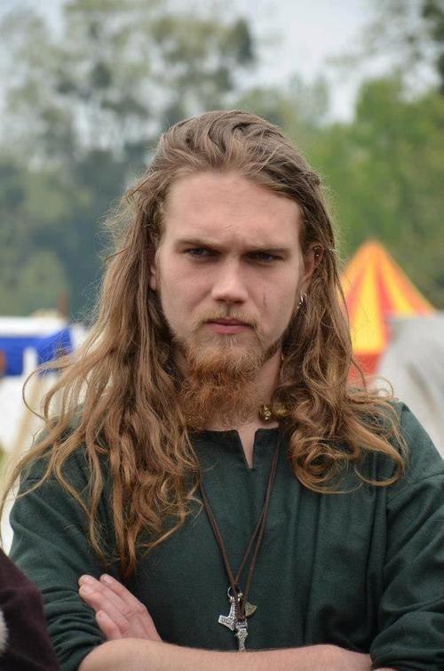 Amazing 1000 Ideas About Viking Men On Pinterest Viggo Mortensen Long Short Hairstyles For Black Women Fulllsitofus