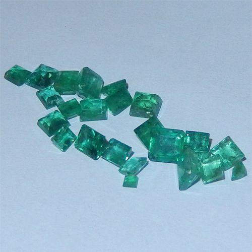5.18 Karat kolumbianische Smaragde  Kolumbianische Smaragde vom Juwelierhaus Abt in Dortmund.  #smaragd #kolumbien #edelstein #juwelier #abt #dortmund