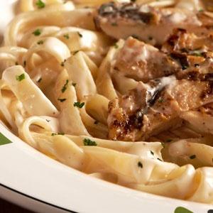 """That strange """"Italian"""" recipes!!!          Alfredo, you again! I has never eaten your chicken here ... Somebody must learn you how cook Italian recipes!!! Alfredo, ancora tu!  Non ho mai mangiato il tuo pollo!!! ... Qualcuno deve proprio insegnarti come cucinare italiano!!!"""