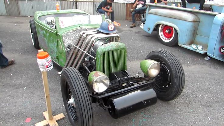 Kontes Mobil Klasik Hot Rod Indonesia (Hot Rod Weekend Party 2015) - https://www.youtube.com/watch?v=S54eebcDZXI