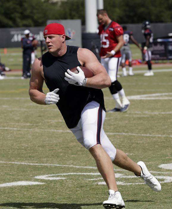J.J. Watt Texans | Houston Texans defensive end J.J. Watt runs up field after catching a ...