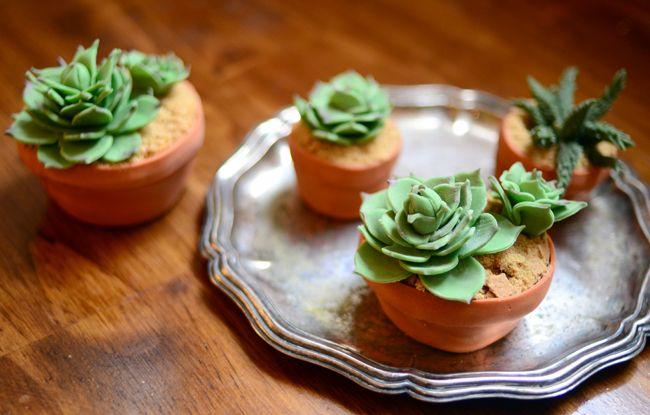Cupcakes em forma de vasinhos