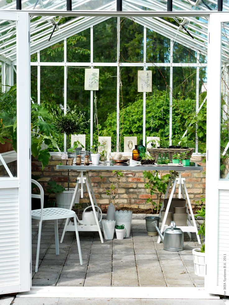 Very chic greenhouse