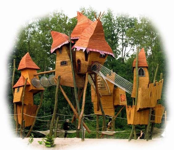 This unique and imaginative playground was build by our creative wood design company. Dieser einzigartige fantasievolle Holz-Spielplatz wurde durch unsere künstlerische Holzgestaltung errichtet. #Robinie #Robinienholz #Spielanlage #Spielplatz #Rutsche #Sandkasten #Rollenspiel #Spaß #Abenteuer #Fantasie #robinia #robiniawood #playground #playfield #park #woodenpark #slide #roleplay #fun #fantasy #tower #Turm #climbing #klettern