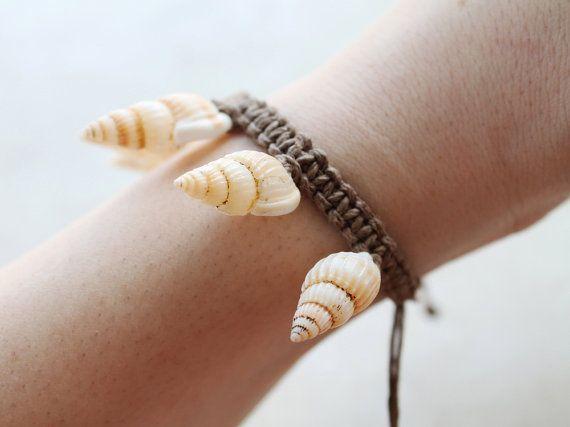 Braun Seashells Hanf Armband Hanf-Schmuck von controversial