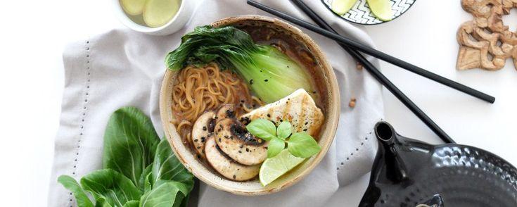 Sopa de Miso con tofu y pak choi