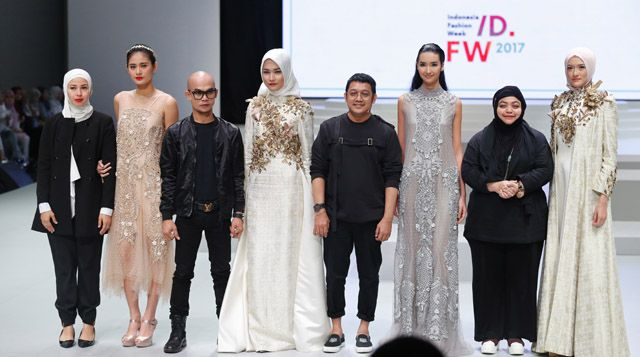 Rayakan Warna 'YOUniverse Celebration of Colors' di IFW 2017